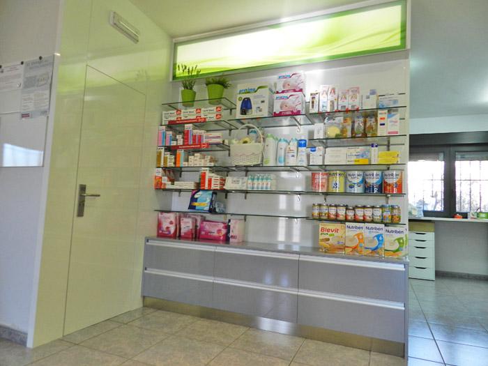 Fabricacion venta y montaje de muebles de farmacias en for Exposicion muebles madrid