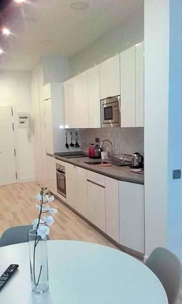 Trabajos de montaje de muebles de cocina y baño en Madrid.