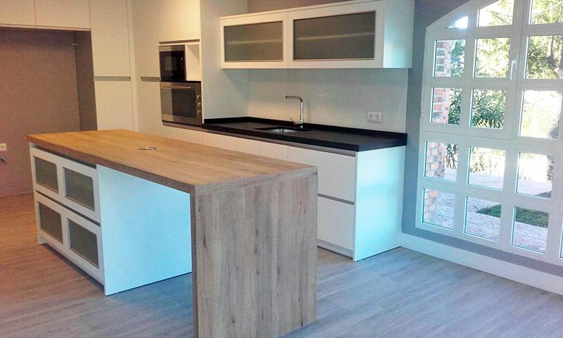 Trabajos de montaje de muebles de cocina y ba o en madrid for Muebles de cocina espana